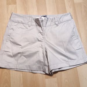 vineyard vine shorts